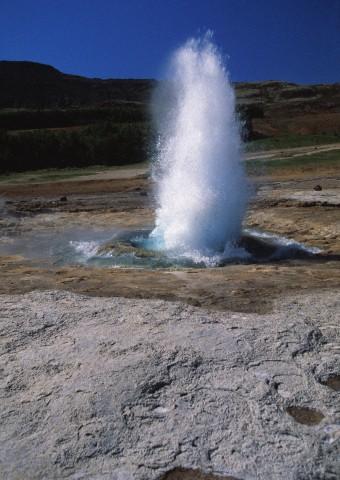 Geyser Strokkur, highlands, Iceland, Europe